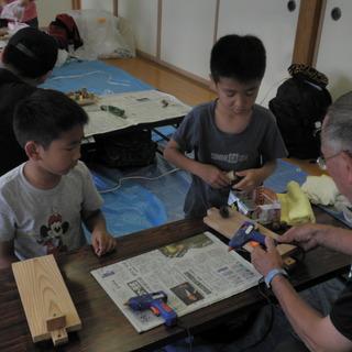 親子で自然に親しむ!はぐくみの森親子木工細工教室