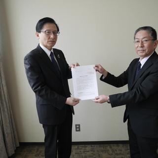 富山労働局に7課題30項目にわたる労働行政に対する要請書を手交