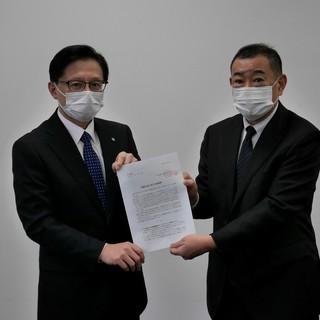 富山労働局へ7課題32項目にわたる労働行政に対する要請書を手交
